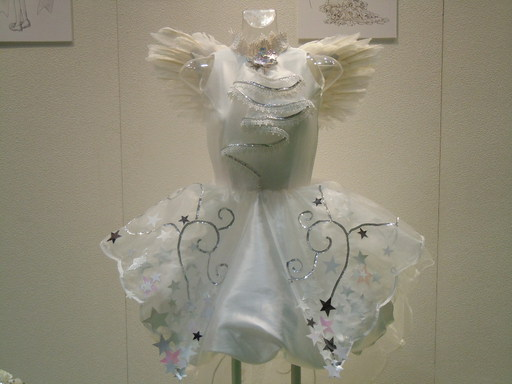 CLAMPデザインのウィディングドレス